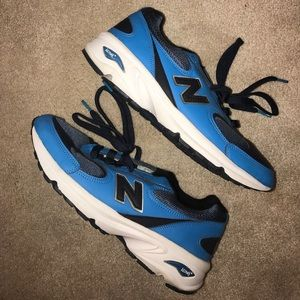 Men's size 9.5 made in USA 498 new balance sneaker